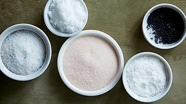 料理にあわせて使い分ける、塩のえらび方